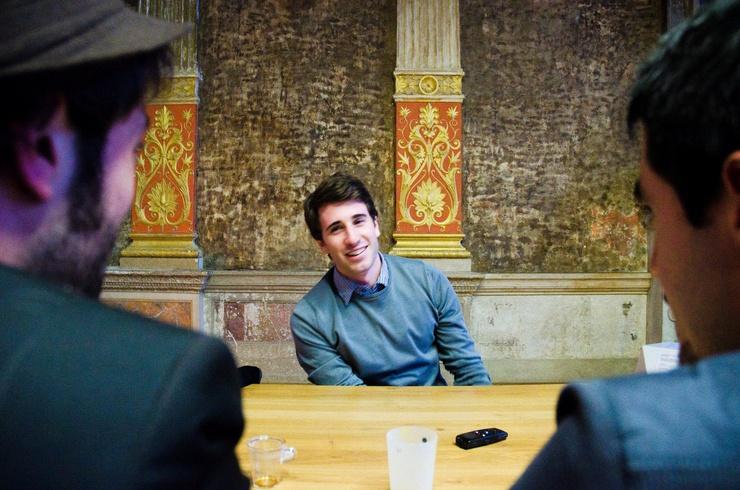 """Ten młody polityk jest działaczem i jednocześnie rzecznikiem prasowym """"Jeunes avec Marine"""". Zdjęcia © Alessandry Vitullo."""