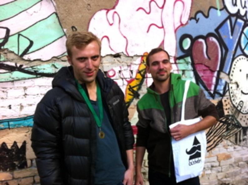 Les frangins travaillent pour l'association Kultmucke qui édite également un magazine et portent fièrement les couleurs d'un évènement qui a ramené 6 000 participants, dont une équipe de Canal +.