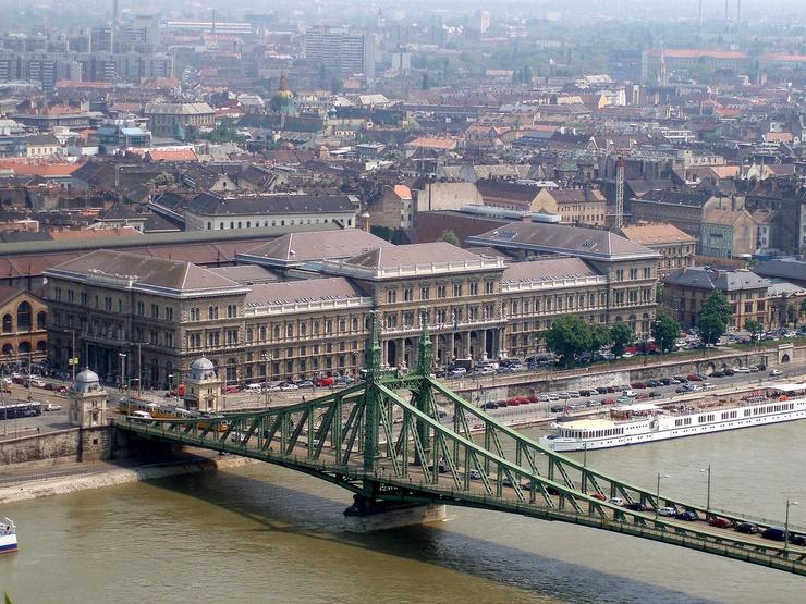 L'université Corvinus à Budapest (chadbriggs/flickr)