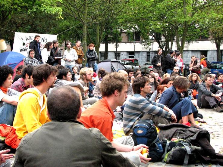 L'assemblée a lieu dans le quartier de St-Gilles pour toucher un public concerné