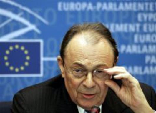 EU-PARLIAMENT-FRANCE-REFERENDUM