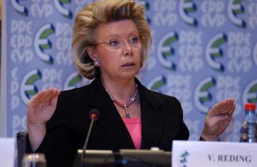 EU-Kommissarin auf dem Kriegspfad