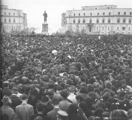 Meeting à l'occasion de la mort de Staline, le 8 mars 1953