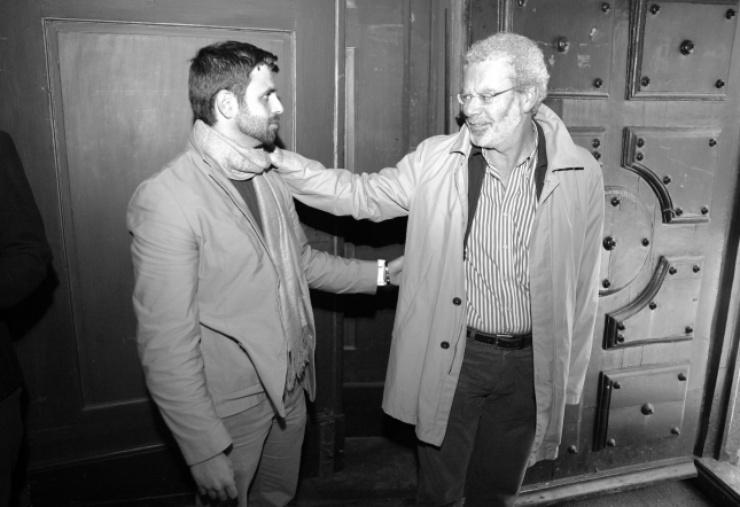 """En la imagen, el director de Amal con el colaborador de """"El País"""" y experto en Relaciones Internacionales, quien ofreció una charla acerca de Siria durante esta edición del festival."""
