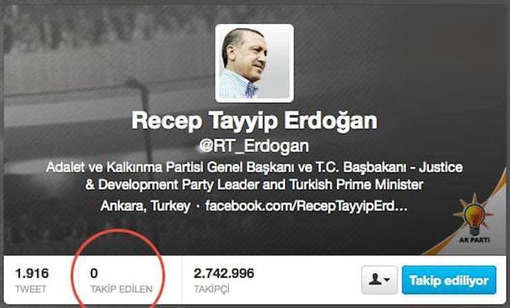 In effetti sul suo profilo twitter, non segue nessun utente.