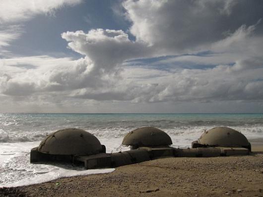 Resultado de imagen de bunkeres albaneses