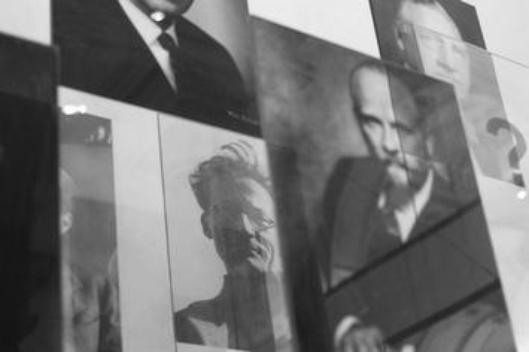 A l'université de Vienne : Erwin Schrödinger, Sigmund Freud et Victor Francis Hess: les grands intellectuels autrichiens.