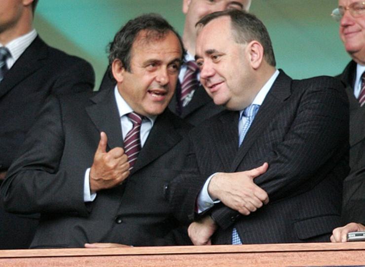 Le président de l'UEFA Michel Platini et le Premier ministre écossais Alex Salmond | Crédits : Scottish government/Flickr