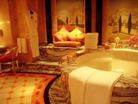 The Royal Bathtub