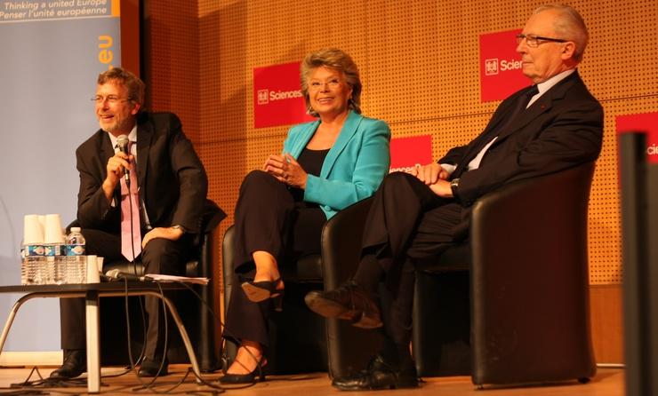 Renaud Dehousse (EU studies department Sciences Po, L) and Jacques Delors (R)