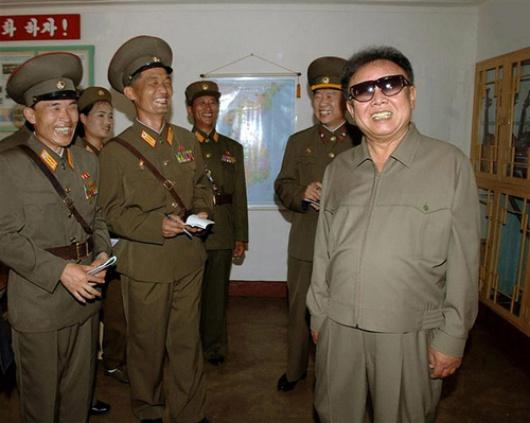 Se dice el dictador es adicto a los productos de lujo, el cine americano y las mujeres