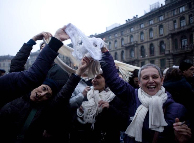 W Rzymie 200.000, na Piazza del Popolo.