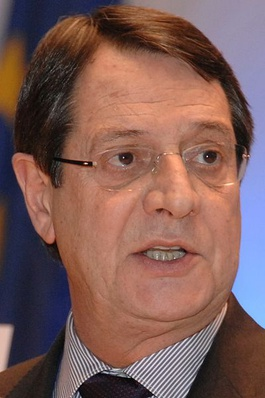Seit dem 28. Februar 2013 Präsident der Republik Zypern.