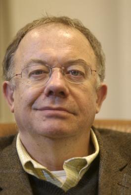 Islamologo, editorialista di Le Monde, docente all'Istituto Universitario di Fiesole (Firenze)