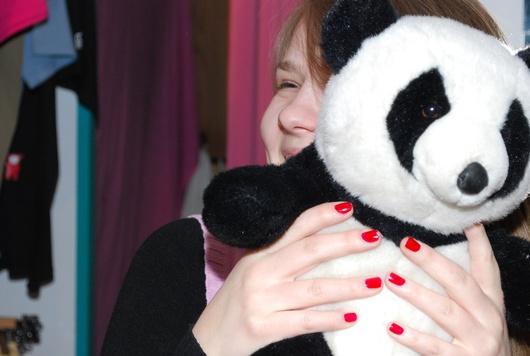 Betty e il suo panda, la mascotte del marchio