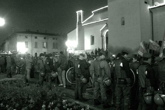 28 novembre 2009, circa 2.500 persone si sono riunite a Coccaglio per manifestare contro il razzismo (Foto di Miriam Franchina)