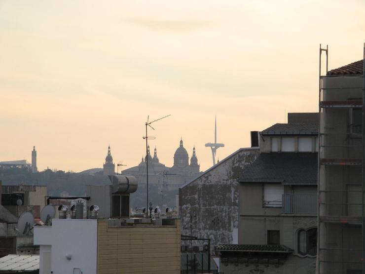 Panorama z widokiem na wzgórze Montjuïc