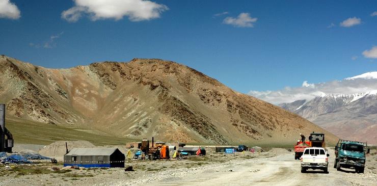 L'autostrada di Karakorum, tra la Cina e il Pakistan: il ritrovo dei vecchi combattenti