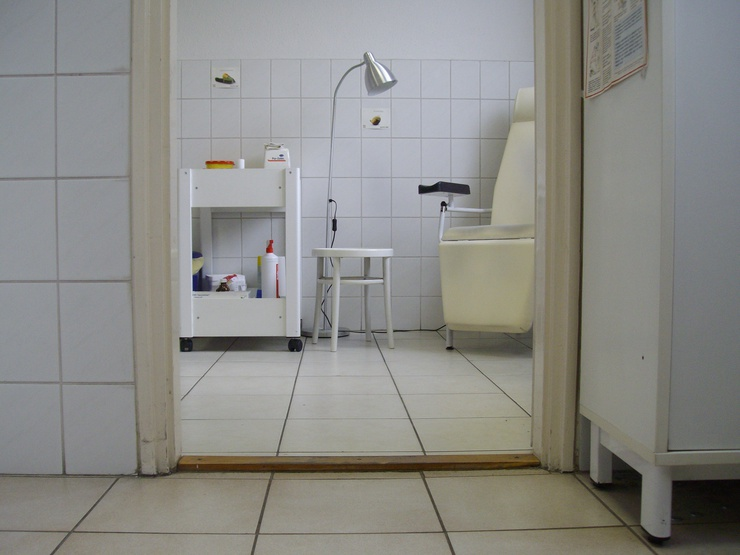 Les médecins effectuent plus de 3 500 test du SIDA par mois.