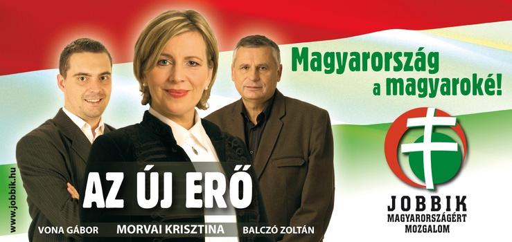 Da destra a sinistra: Gábor Vona (31 anni, Presidente del Jobbik), Krisztina Morvai (43 anni, eletta deputata europea tra le fila del Jobbik nel guigno 2009), Zoltan Balczó (52 anni, vicepresidente del Jobbik)
