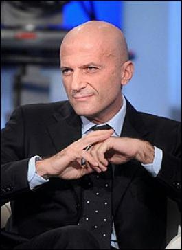 """Były dziennikarz """"La Stampa"""", obecnie odpowiedzialny za program informacyjny w Rai 1 i bliski współpracownik Berlusconiego"""