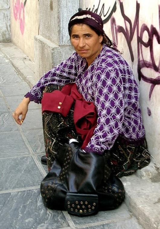 La precariedad y la exclusión social sigue afectando más a la mujer