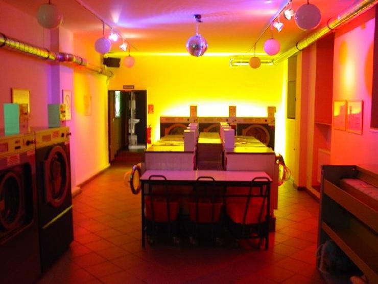 El 'Mangelwirtschaft' ofrece la posibilidad de lavar la ropa mientras te tomas un café o escuchas un concierto