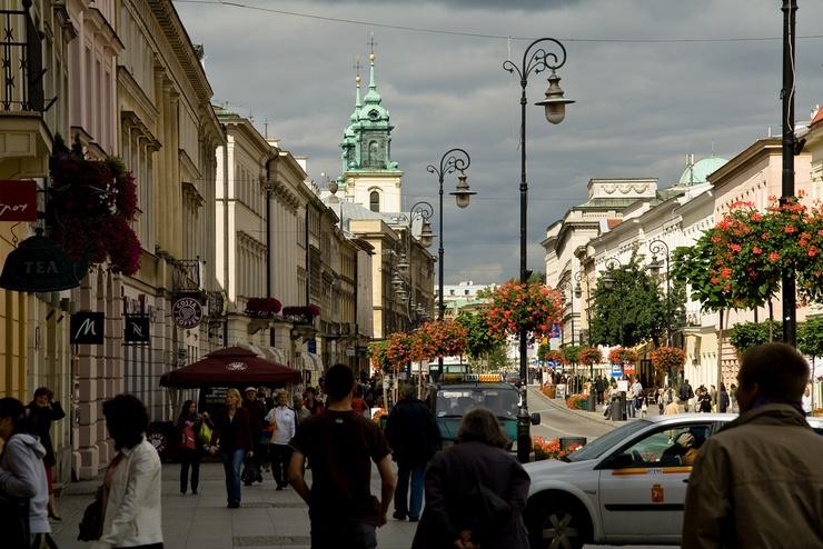 """Die """"Straße der Neuen Welt"""" in Warschau."""