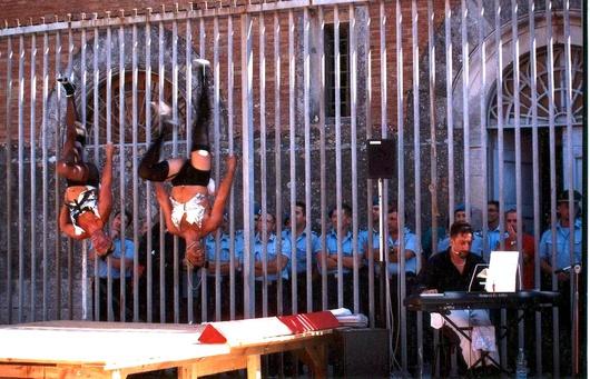 Une inversion des rôles qui n'a pas l'air de gêner les autorités de la prison Volterra