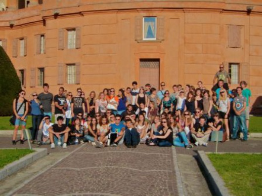 FOTO_3-STUDENTI_STRANIERI_nell_assoziazione_eseg.jpg