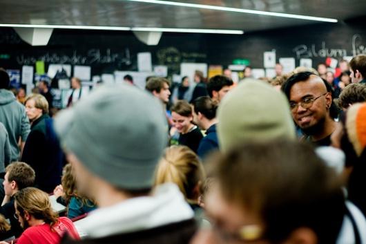 Nadie habla de discriminación, pero los estudiantes reconocen cierta 'tensión'