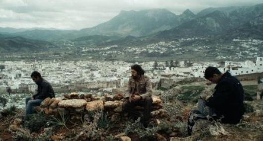 Death_for_Sale_pic5__Entre-Chien-et-Loup_Agora-Films_Liaison-Cinematographique_2011_klein.png