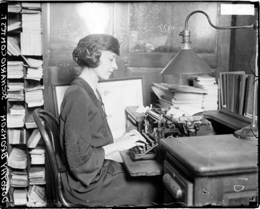 Dorothy Bronson, reporter pour le Chicago Daily News.
