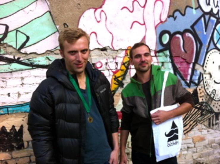 Organizadores de las olimpíadas para modernos, trabajan para la asociación Kultmucke.