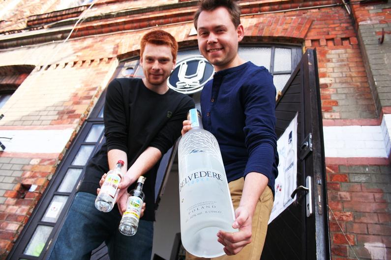 Per lui, che non beve quella russa, la vodka polacca è la migliore. Orgoglio o pregiudizio?