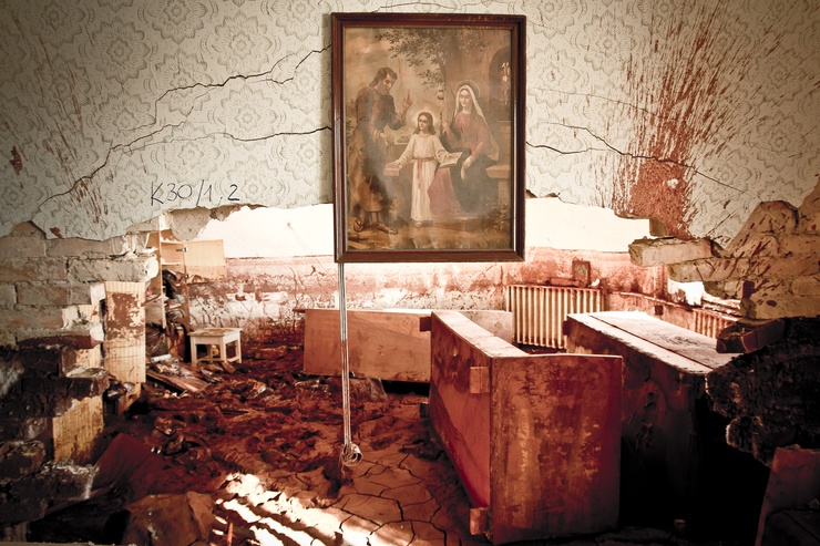 La sostanza tossica si attacca ai muri, al suolo e al mobilio