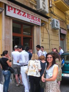 Ein Muss für Pizzafans in Neapel