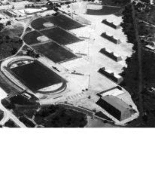 Outdoor Handball courts in the 1940's, Source: www.unam.mx