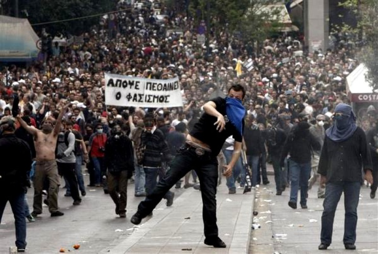 Unions called for another demonstration on 6 May at 6pm before parliament. Inside the building, Greek members of parliament are expected to approve the austerity plan proposed by the government