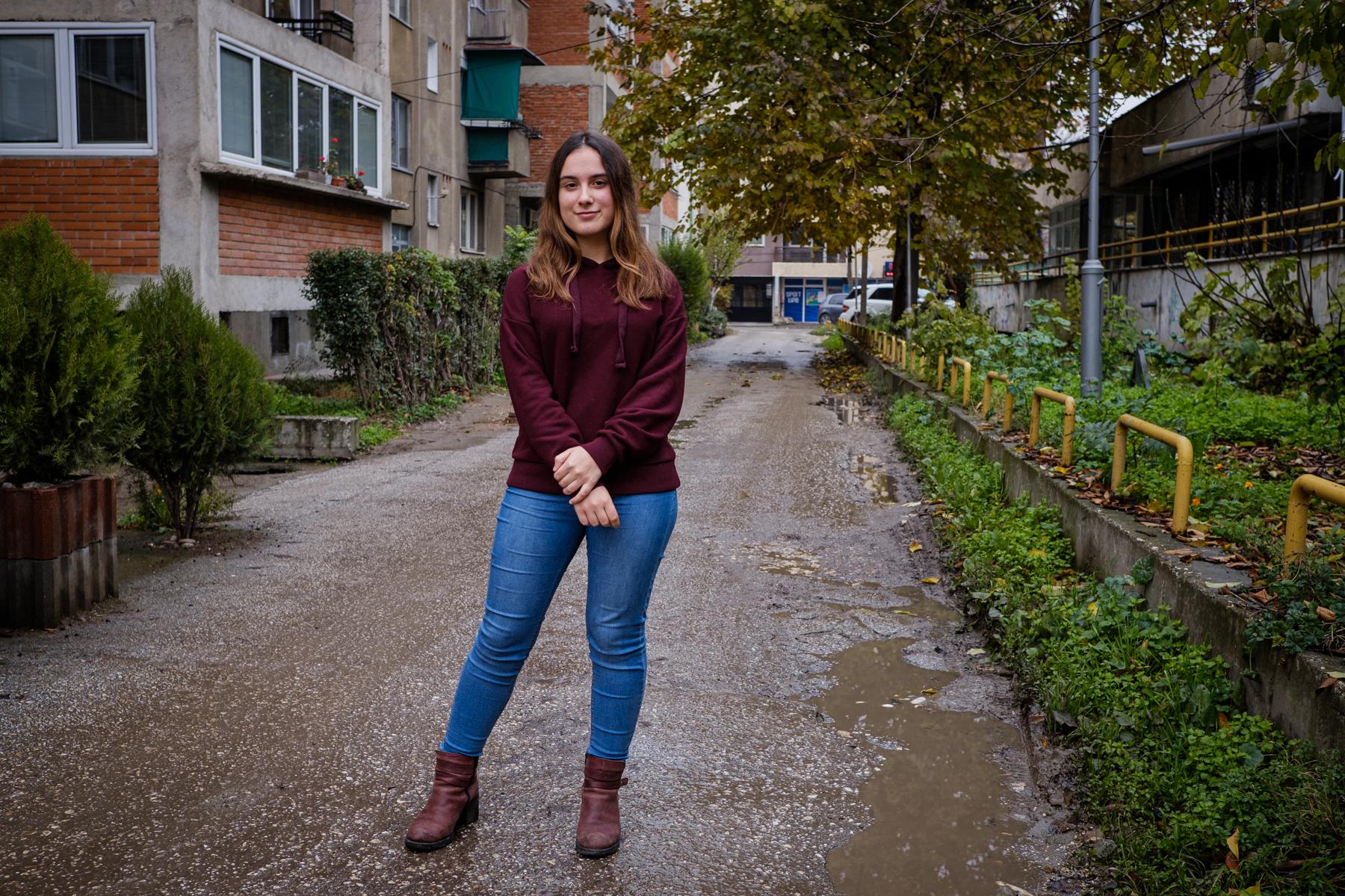 Eva, 18