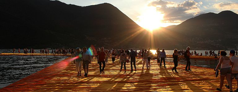 Image for The floating piers: l'arte che fa camminare sulle acque