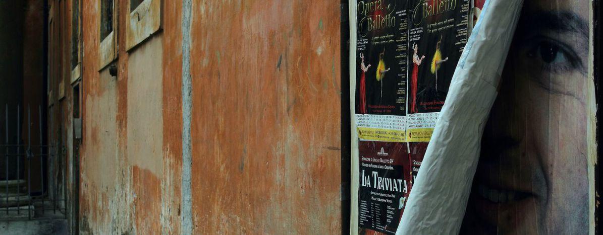 Image for Matteo Renzi all in forItaly's risky referendum