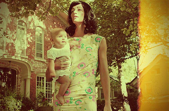 """Image for Madre de 27 años busca prácticas en Bruselas: """"Cuando una mujer da a luz, se convierte en mamá y nada más"""""""