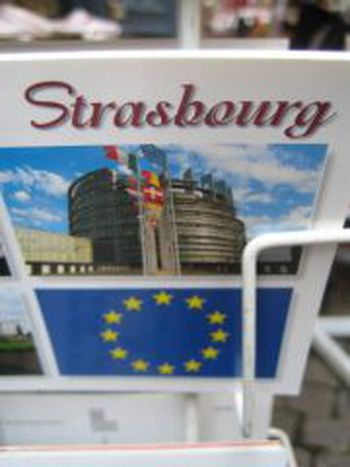 Image for Microtrottoirs dans les rues de Strasbourg le 7 juin 2009