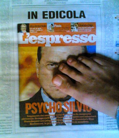 Image for Berlusconi e le donne: una triste commedia all'italiana