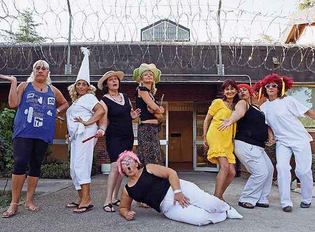 Image for Teatro Yeses rompe los barrotes de la prisión