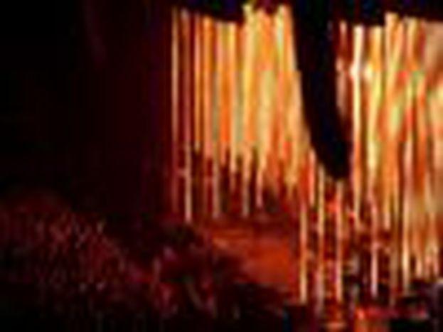 Image for Concerto dei Radiohead a Parigi: luci, Tibet e quel burattino Yorke