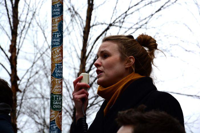 """Image for """"¡Paga y punto!"""": los becarios de Bruselas se hartan"""