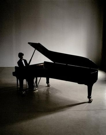 Image for El pianista Rafał Blechacz, el nuevo genio polaco
