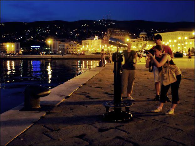 Image for Trieste, si spengono le luci: tempi duri per i nottambuli